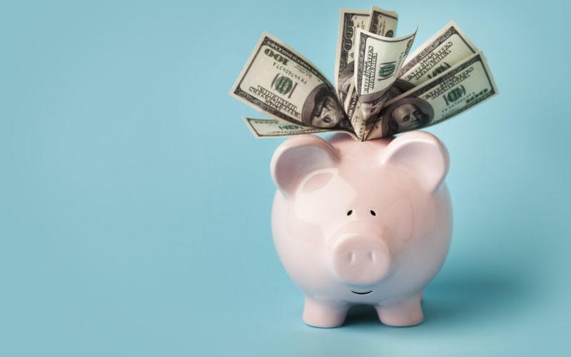 Comprar dólares, la operación financiera preferida de los argentinos